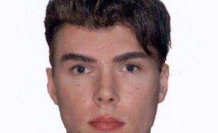 La police française a la certitude que Luka Rocco Magnotta, ce Canadien de 29 ans en fuite, soupçonné d'avoir tué et dépecé un étudiant chinois à Montréal, est venu ces derniers jours à Paris et en région parisienne