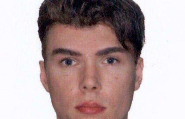 Luka Rocco Magnotta, ce Canadien de 29 ans en fuite, soupçonné d'avoir tué et dépecé un étudiant chinois à Montréal, a été signalé dans un hôtel de Bagnolet, en Seine-Saint-Denis, a-t-on appris dimanche de source proche de l'enquête.