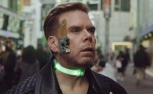 Chris Dancy, l'être humain le plus connecté au monde, utilise une gamme de capteurs, d'appareils, de services et d'applications qui recueillent des données en temps réel sur ses activités et l'environnement qui l'entoure. (Illustration)