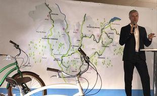 Laurent Wauquiez lors de la présentation des véloroutes qui seront construites en Auvergne-Rhône-Alpes d'ici 2021