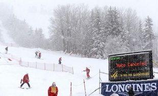 L'alerte aux avalanches a été levée samedi en fin de matinée dans les Alpes, selon Météo France, qui a également modifié sa carte vigilance orange pour les crues, avec huit départements concernés.