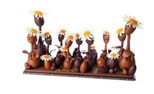 La famille pâquerette, Collection Un air de famille, créée par Nicolas Cloiseau, La Maison du Chocolat, en édition limitée1100 € la pièce géante de 3,4 kg.