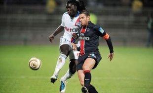 Sa série brisée dimanche, Paris se relance héroïquement en allant éliminer Lyon mercredi en 8e de finale de la Coupe de la Ligue (2-1 a.p.), replongeant du même coup l'OL dans la crise pendant que Marseille, très réaliste à Guingamp (1-0), rejoint tranquillement les quarts.