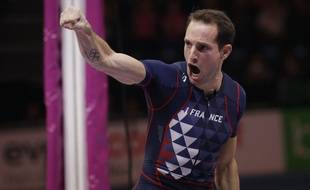 (180305) -- BIRMINGHAM, March 5, 2018 (Xinhua) -- Renaud Lavillenie of France celebrates after winning the men's pole vault final during the IAAF World Indoor Championships at Arena Birmingham in Birmingham, Britain on March 4, 2018. (Xinhua/Tim Ireland)(wll)