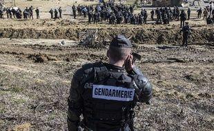 Un gendarme au moment de l'évacuation définitive du site, le 6 mars 2015.