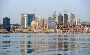 L'Angola, deuxième producteur de pétrole d'Afrique derrière le Nigeria, a adopté le cadre juridique devant permettre de lancer son marché financier entre 2014 et 2016, a-t-on appris vendredi.