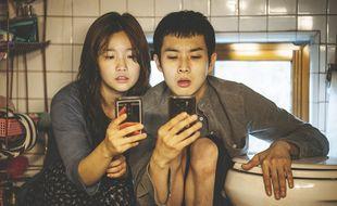 Park So-dam et Choi-woo Sik dans Parasite, film de Bong Joon-ho.
