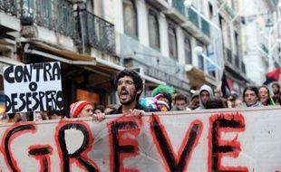 Troisième pays de la zone euro, après la Grèce et l'Irlande, à obtenir une assistance financière internationale, le Portugal a reçu en mai 2011 un prêt de 78 milliards d'euros en échange d'un programme de reformes, marqué par des mesures de rigueur sans précédent.