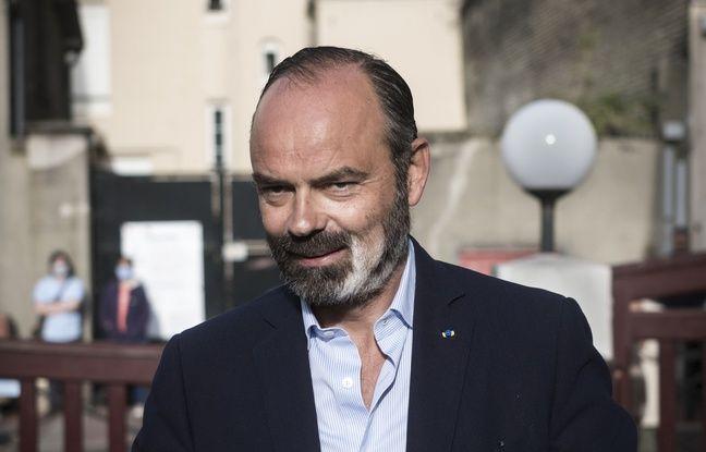 Démission du gouvernement: Détente, Edouard Philippe ose les boutons de manchette «tongs roses»