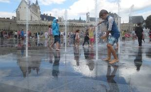 Le miroir d'eau de Nantes, dimanche