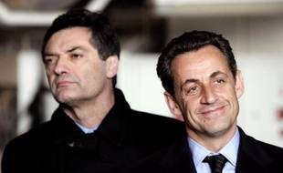 """Patrick Devedjian, partisan d'un inventaire du quinquennat Sarkozy, s'est déclaré samedi satisfait par l'annonce d'un débat sur la question, faite la veille par Jean-François Copé, à condition qu'il soit """"ouvert"""" à l'extérieur de l'UMP."""