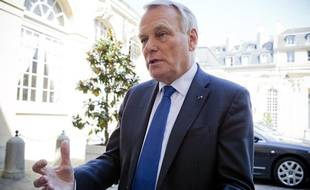 Le 25 avril 2013. Jean-Marc Ayrault en interview a Matignon
