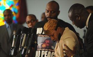 Lesley McSpadden, la mère de Michael Brown, tué par un policier dans des circonstances controversées, le 11 août à Ferguson (Missouri), après une conférence de presse.