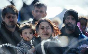 Des migrants bloqués le 2  mars 2016 à Gevgelija à la frontière entre la Grèce et la Macédoine