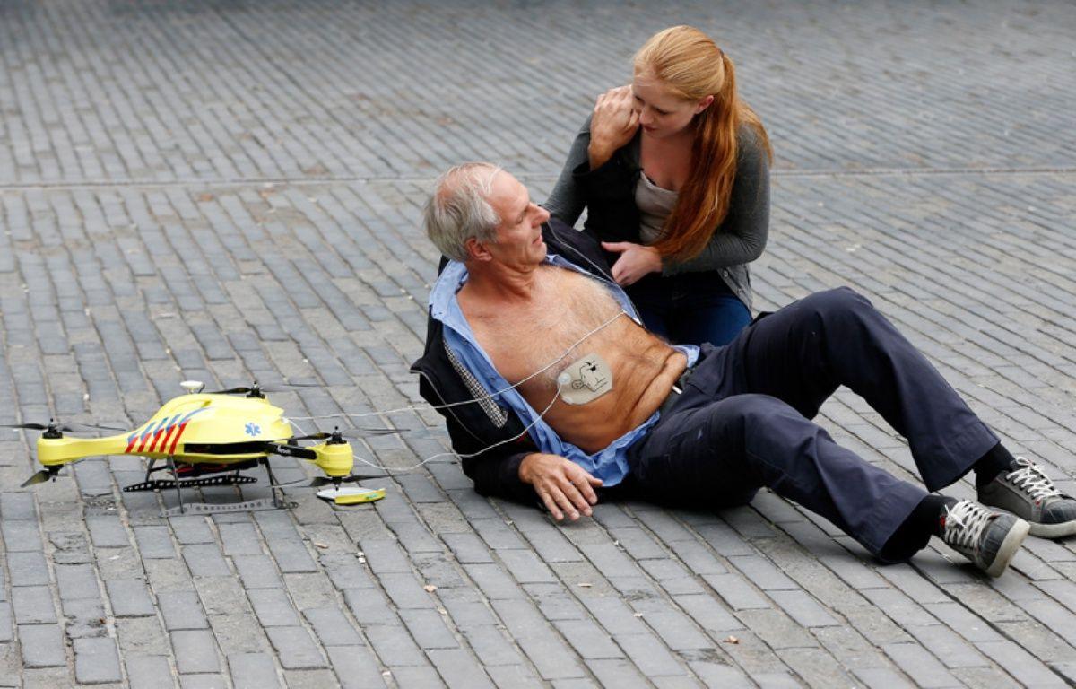Le drone ambulance, présenté à Delft, aux Pays-Bas, le 28 octobre 2014. – BAS CZERWINSKI / ANP / AFP
