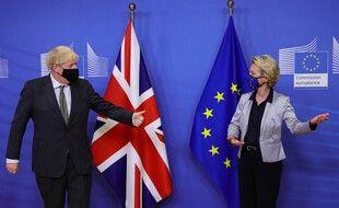 Boris Johnson, le premier ministre britannique, et Ursula Van der Leyen, la présidente de la Commission européenne.