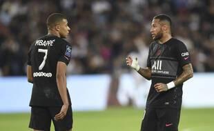 Kylian Mbappé et Neymar en pleine explication face à Montpellier