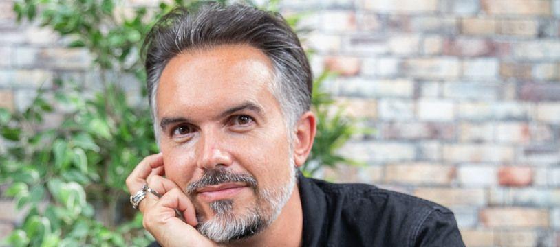"""L'écrivain Maxime Chattam était chez """"20 Minutes"""" le 31 août 2021, à Paris."""