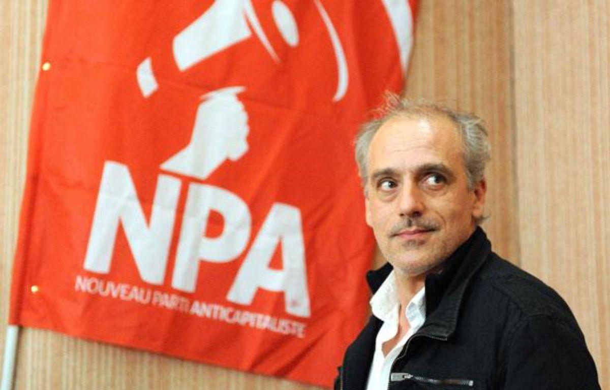Philippe Poutou, l'ancien candidat à l'élection présidentielle du NPA (Nouveau Parti Capitaliste), lors d'un meeting à Nantes, le 29 mars 2012 – SALOM-GOMIS SEBASTIEN/SIPA