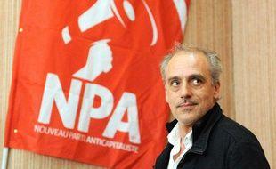 Philippe Poutou, l'ancien candidat à l'élection présidentielle du NPA (Nouveau Parti Capitaliste), lors d'un meeting à Nantes, le 29 mars 2012
