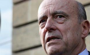 Alain Juppé, lors de l'hommage aux victimes des attentats de Paris, à l'hôtel de ville de Bordeaux