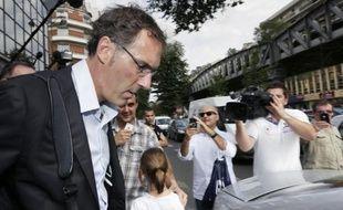 """Noël Le Graët, le président de la FFF, a entamé jeudi avec Laurent Blanc les discussions sur la prolongation du contrat du sélectionneur, mais les deux hommes se sont finalement donné """"un délai de 48h de réflexion supplémentaire"""", qui soulève bien des questions."""