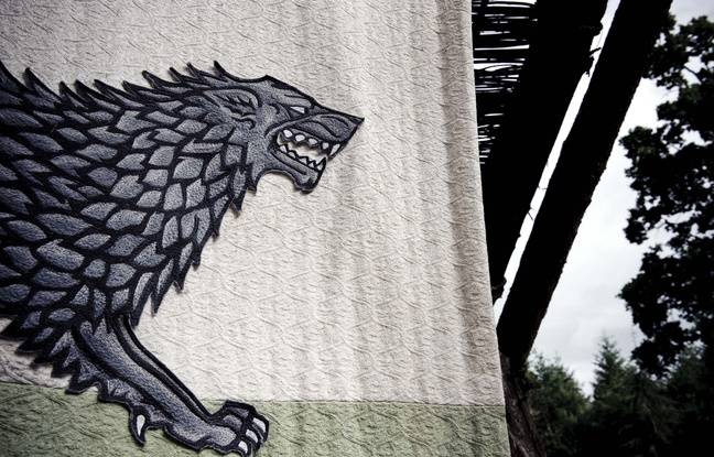 La bannière des Stark représente un loup géant dans Game of Thrones