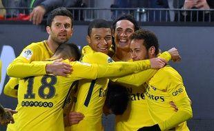 La joie des Parisiens après le but d'Edinson Cavani face à Rennes, le 16 décembre 2017.