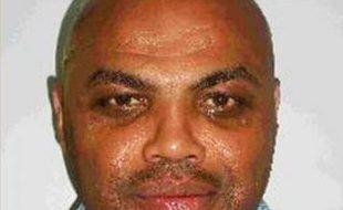 Charles Barkley arrêté le 31 décembre 2008 pour conduite en état d'ivresse. L'ancien joueur de basket américain a avoué aux policiers avoir grillé un feu rouge, trop pressé de retrouver la fille qui lui avait fait la meilleure fellation de toute sa vie la semaine précédente!