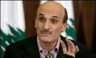 """""""Ce qui se passe n'a rien à voir avec la démocratie. C'est un véritable coup d'Etat"""", a déclaré le leader chrétien Samir Geagea, allié du gouvernement, qui a qualifié les actions des manifestants de """"terroristes""""."""