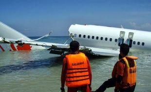 Les pilote et copilote de l'avion Lion Air qui s'est abîmé en mer samedi à Bali, ne faisant que des blessés parmi les 108 personnes à bord, n'avaient consommé ni drogue ni alcool, selon les résultats d'analyses préliminaires.