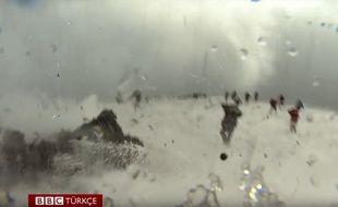 Une explosion de l'Etna, en Sicile, a fait une dizaine de blessés, le 16 mars 2017