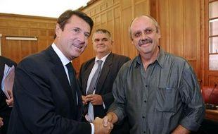 Deux représentants du personnel de l'ancienne usine du groupe américain Molex à Villemur-sur-Tarn (Haute-Garonne) sont convoqués par la police judiciaire à la mi novembre, suite à une plainte d'un ancien dirigeant retenu dans son bureau par les salariés en 2009, a annoncé mercredi la CGT.
