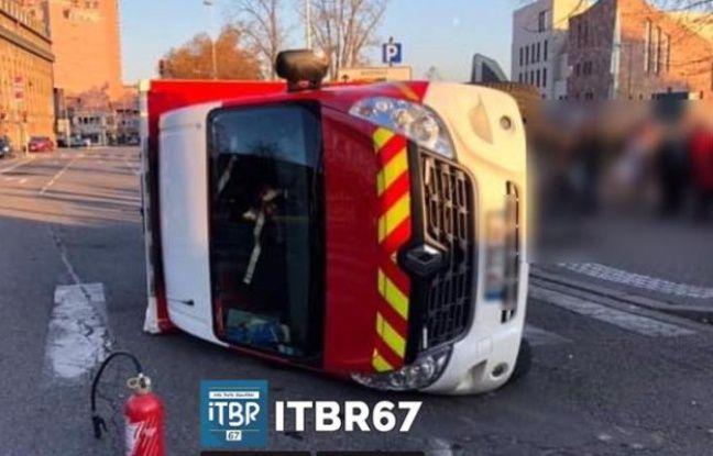 Strasbourg: Un véhicule des pompiers se renverse après avoir percuté un tram