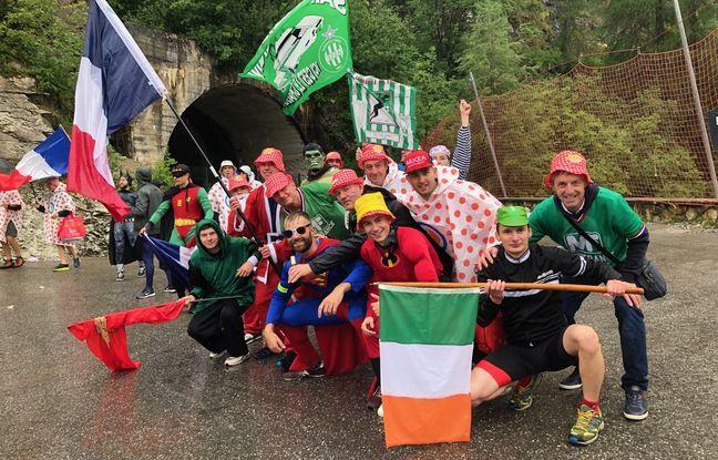 Une vingtaine de supporters de l'ASSE ont encouragé les coureurs, dimanche en Savoie.