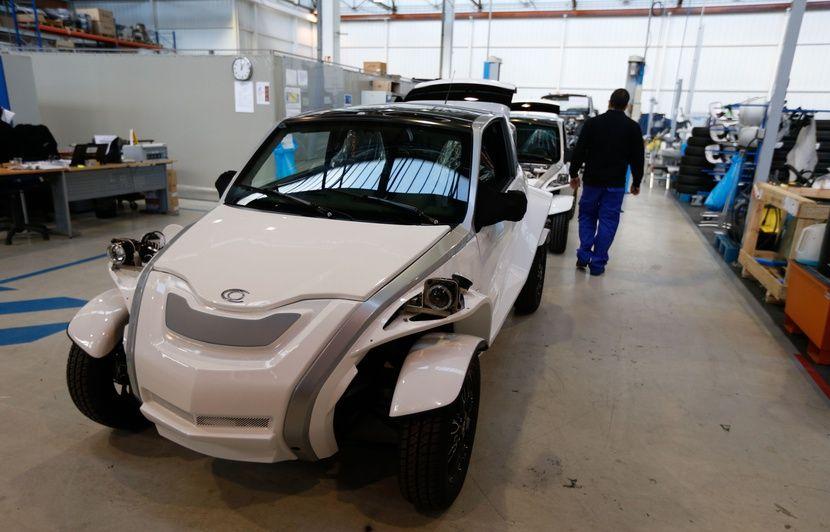 lyon : courb a livré sa centième voiture électrique «made in france»
