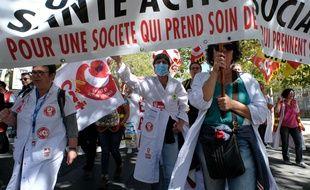 Manifestation pour l'hôpital (Illustration)