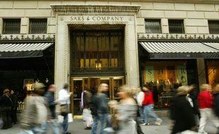 Le magasin Saks sur la 5e avenue à New York le  17 octobre 2003
