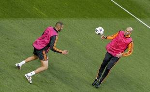 Karim Benzema et Zinédine Zidane la veille de la finale de la Ligue des champions 2014 à Lisbonne.