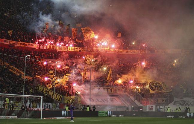 Le parcage des ultras du Borussia à Düsseldorf.