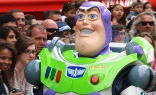 Buzz l'éclair en promotion pour Toy Story 3 à Londres le 18 juillet 2010