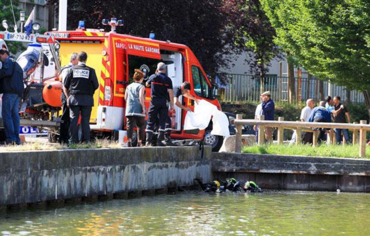 Les secours ont repêché le corps d'un enfant dans le lac de la Reynerie à Toulouse, le 25 juin 2012. – Fred SCHEIBER / 20 MINUTES