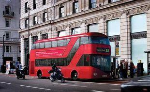 Le nouveau bus londonien entrera en service le 20 février 2012.