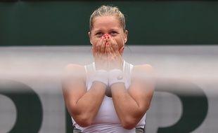 L'Américaine Shelby Rogers, 108e mondiale, en larmes, et qualifiée pour les quarts de finale de Roland-Garros, le 29 mai 2016.