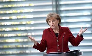Toujours mieux lotie que ses voisins, l'Allemagne commence à pâtir de la crise en Europe, comme en témoignent un marché du travail qui perd de sa superbe et un indicateur inquiétant pour ses exportations industrielles.