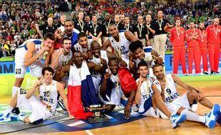 L'équipe de France de basket, sacrée championne d'Europe le 22 septembre 2013 à Ljubljana après une victoire contre la Lituanie.