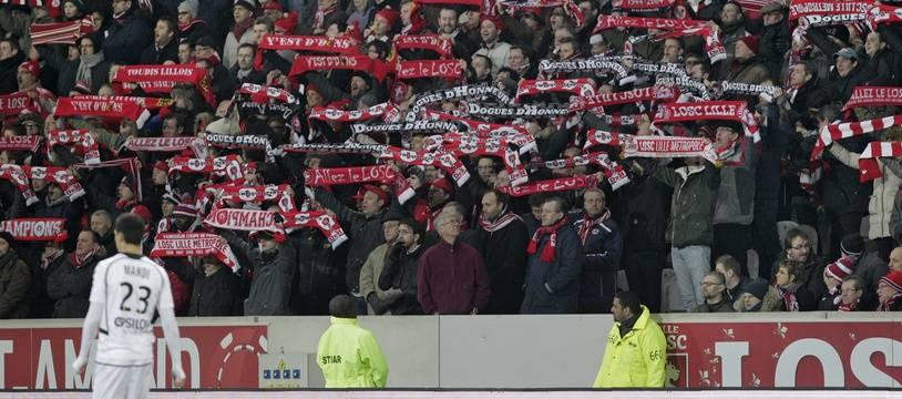 Lille, le 12 janvier 2014. Match comptant pour la 20me journŽe du championnat de ligue 1 de football qui opposait le Lille OSC (LOSC) ˆ Reims au stade Pierre Mauroy. ici les supporters lillois.