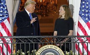 Donald Trump et la juge Amy Coney Barrett, à la Maison-Blanche le 26 octobre 2020.