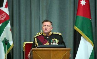 Le roi Abdallah II donne un discours le 2 novembre 2014 à Amman
