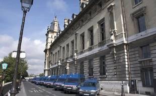 Le batiment du 36 quai des Orfevres, siège de la Direction Regionale de la Police Judiciaire de la Prefecture de Police de Paris.